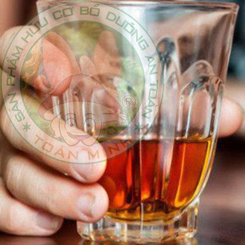 Uống rượu đông trùng hạ thảo có tốt không?